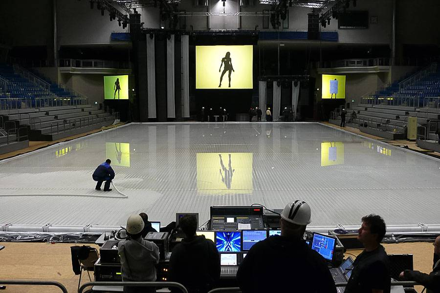 ice-rink-maintenance_05_20201014130836.jpg