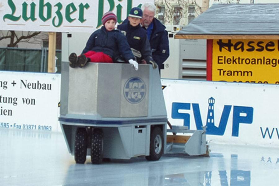 ice-rink_resurfacers_03_20201014131727.jpg