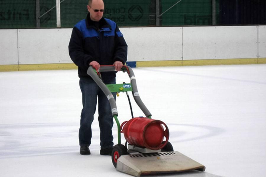 ice-rink_resurfacers_05_20201014131721.jpg