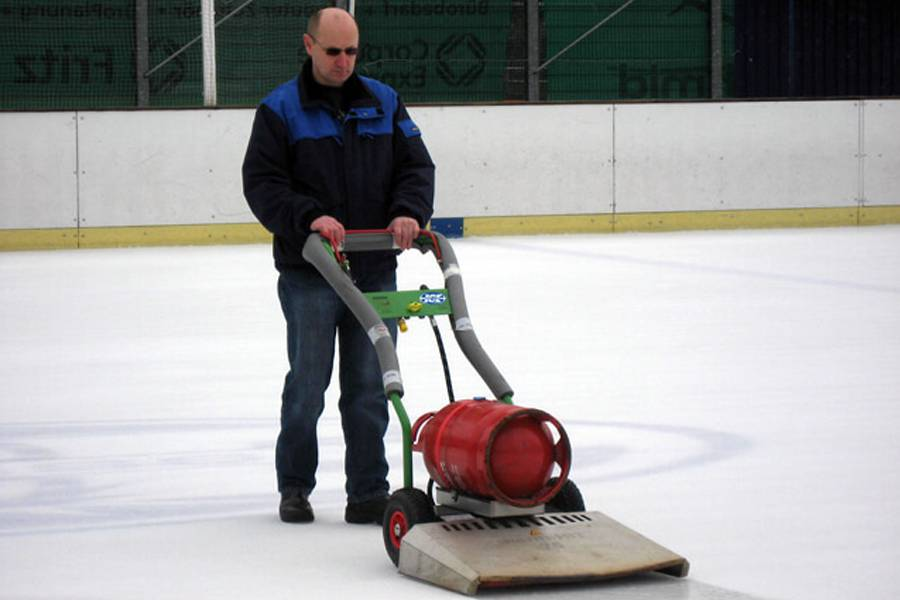pages-ice-resurfacing-machines___03_20200826083323.jpg