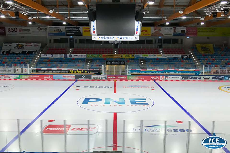New ice colors for the pinguins at Bremerhaven